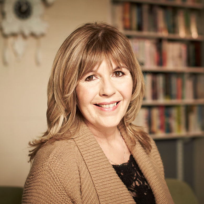 Maggie Philbin -