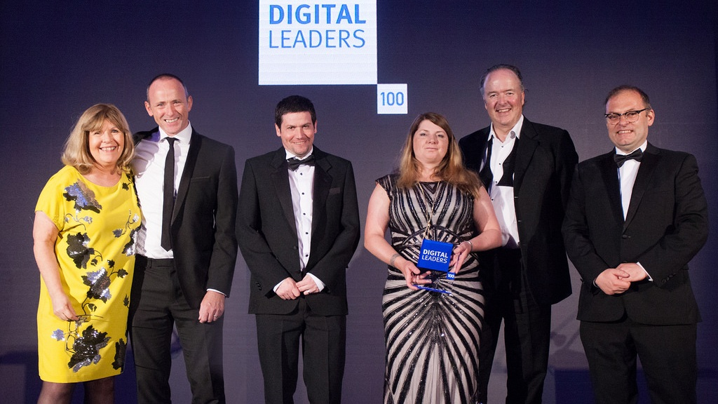 MYNI RECEIVING THE DIGITAL TEAM OF THE YEAR AWARD, 2018