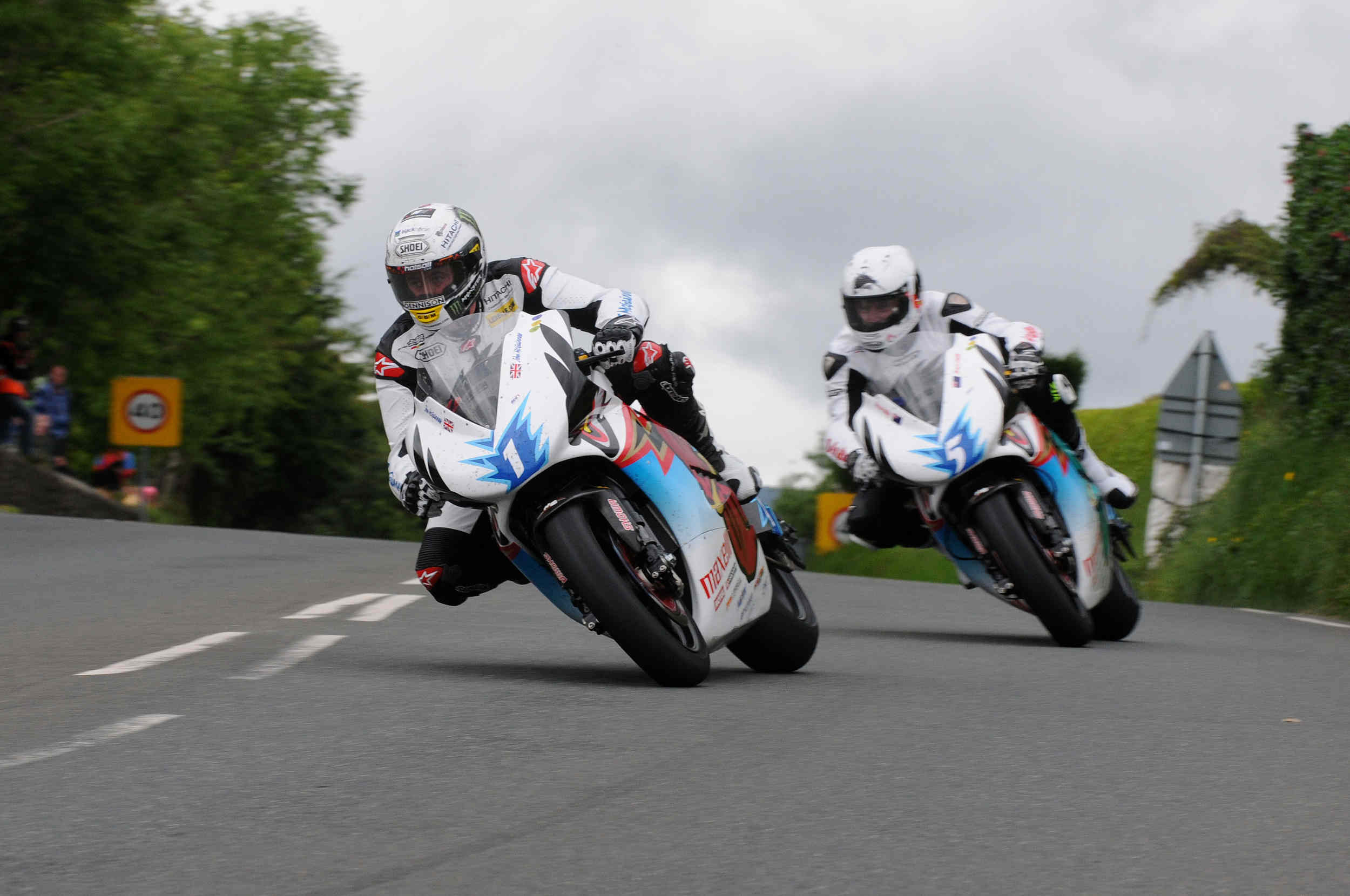 TT Zero practice 2014 - John McGuinness and Bruce Anstey on Mugen Shinden EV bikes