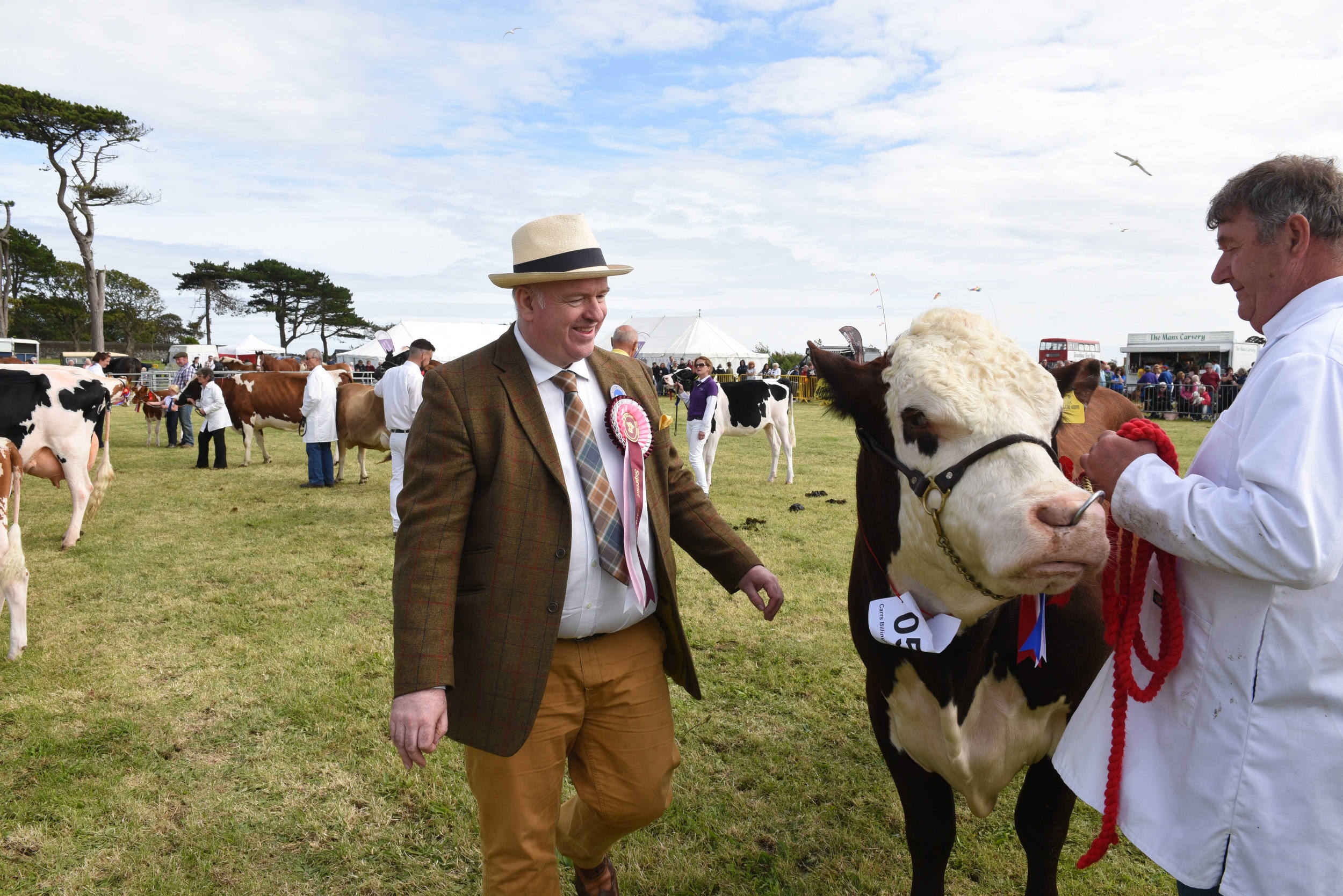 Former show champion and current Chief Minister Howard Quayle  acts as head judge at the The 2017 Southern Agricultural Show
