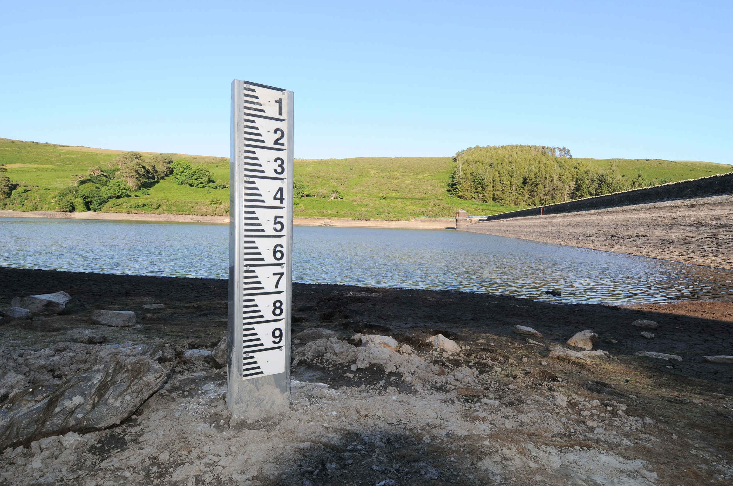 Exposed water level gauges at West Baldwin (Injebreck) reservoir