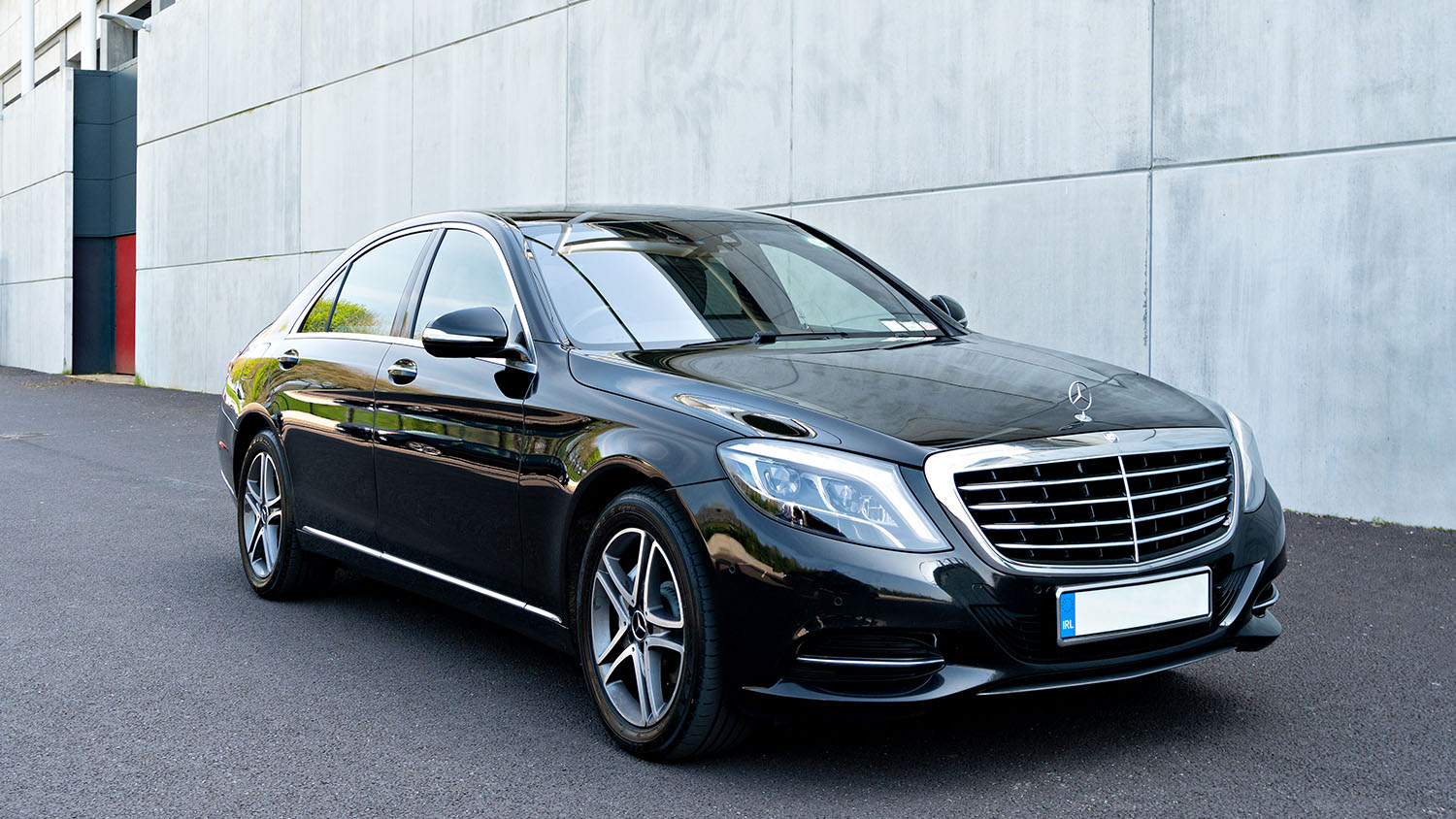 Choose from a range of high-quality Mercedes cars and vehicles for your executive and VIP transfers in Ireland.