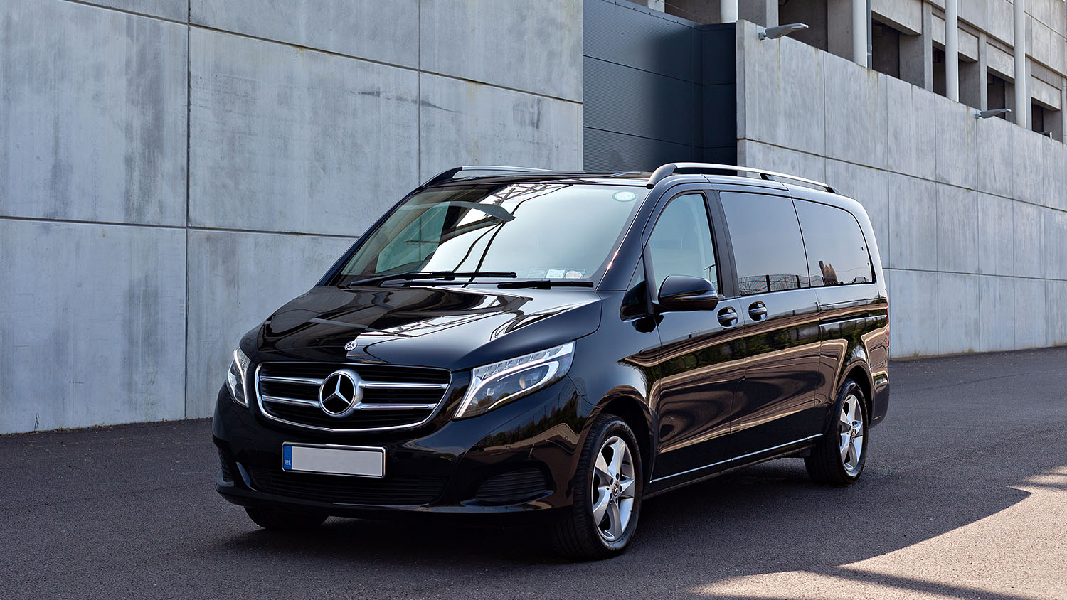 Travel safely and in comfort in our V-Class executive and VIP people carriers.