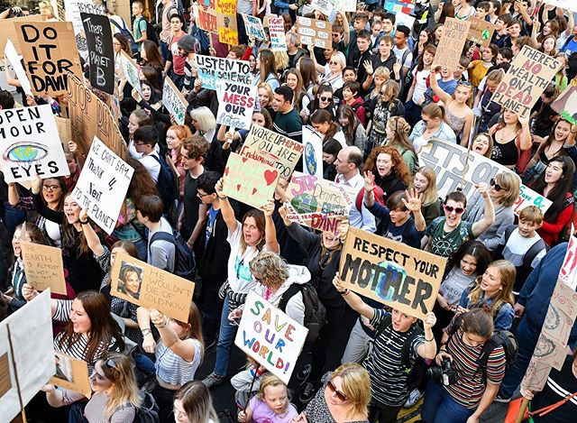 Gen Z, we've got the power for CHANGE THE 🌎. #ClimateStrike