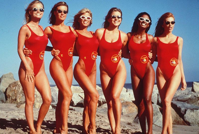 Pamela Anderson and Carmen Electra in Baywatch (TV Series 1989-2001)