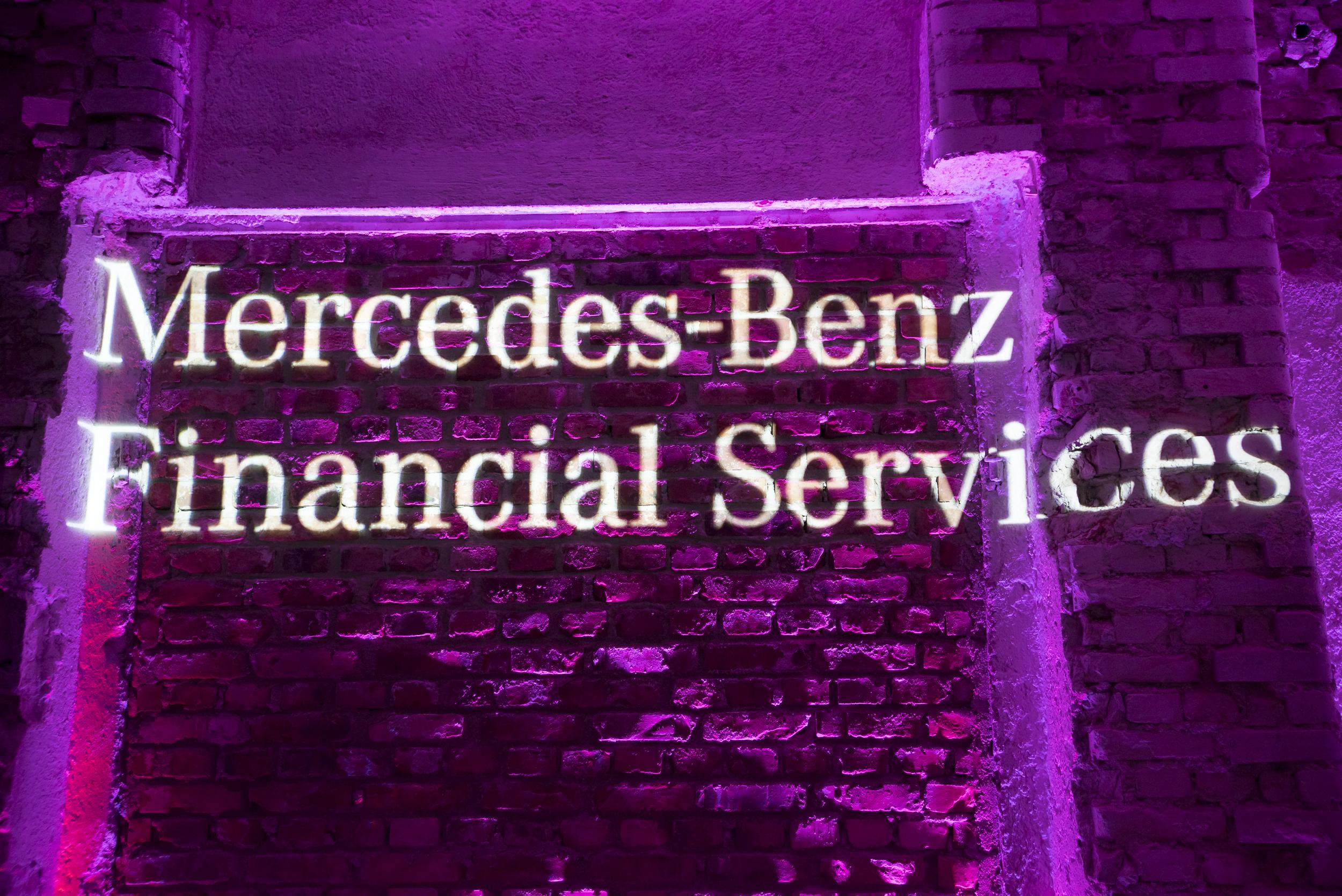 dsc-Benz.jpg