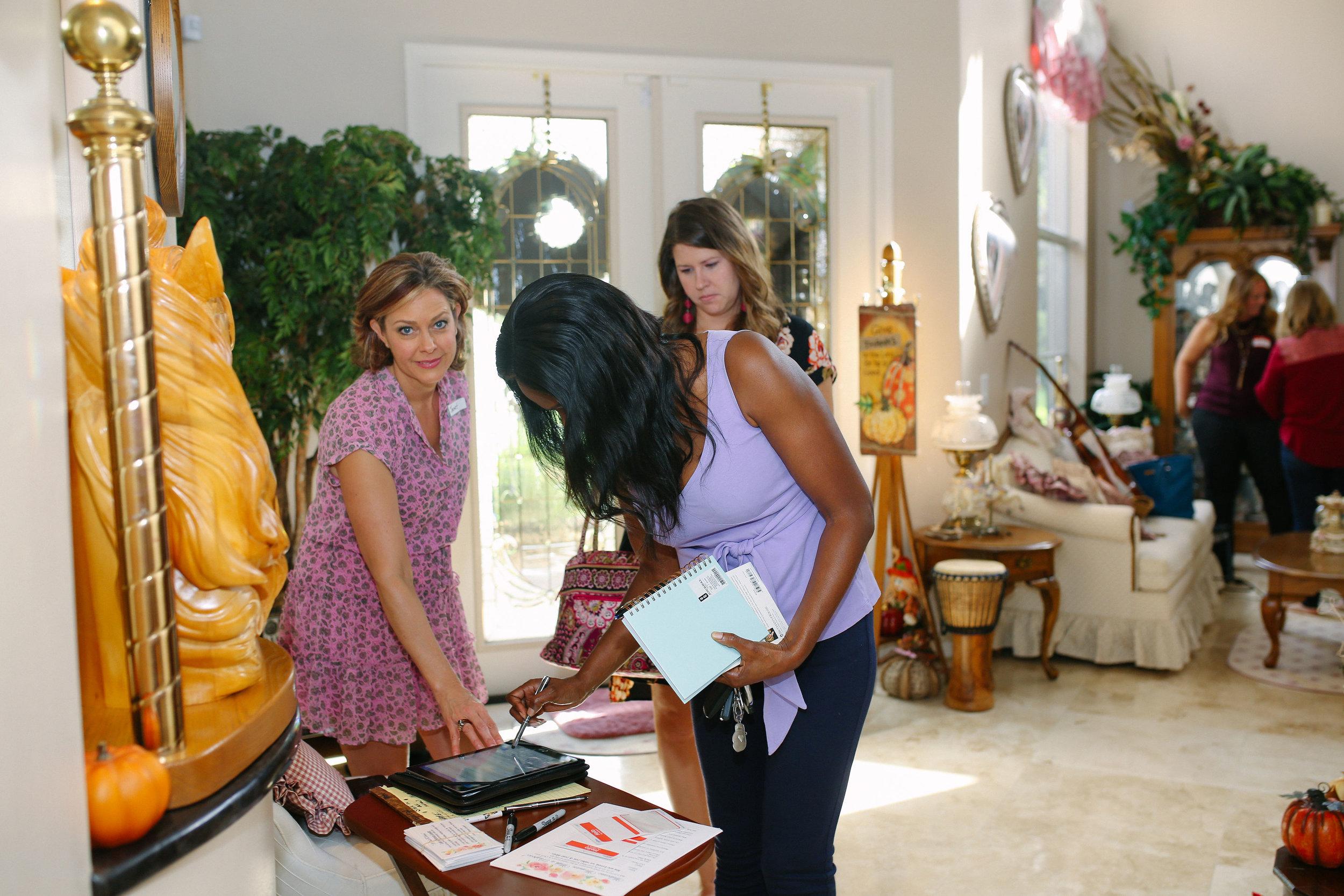 women-world-leaders-volunteer-connections.jpg