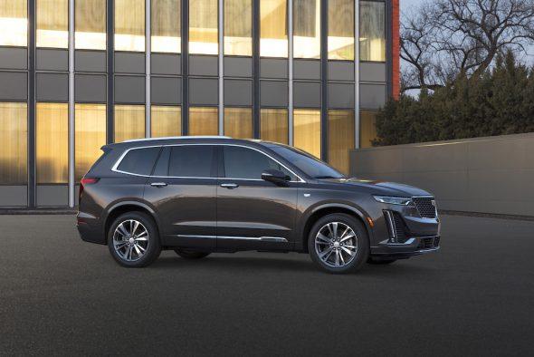 2020-Cadillac-XT6-Luxury-016-590x394.jpg