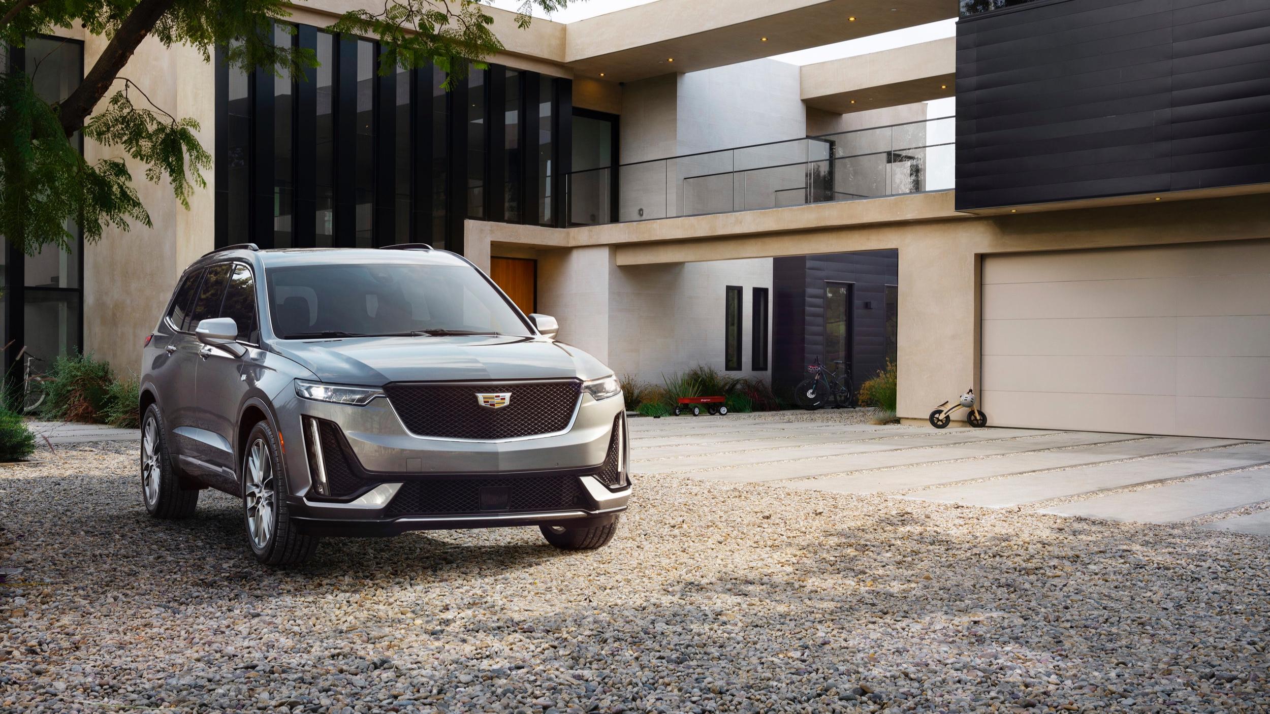 2020-Cadillac-XT6-Sport-001.jpg