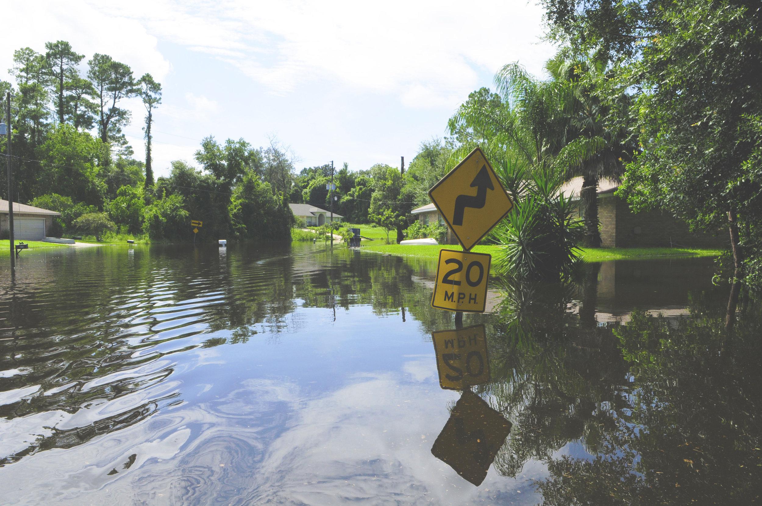 FEMA_-_37615_-_Community_flooded_by_Tropical_Storm_Fay_in_Florida edit.jpg