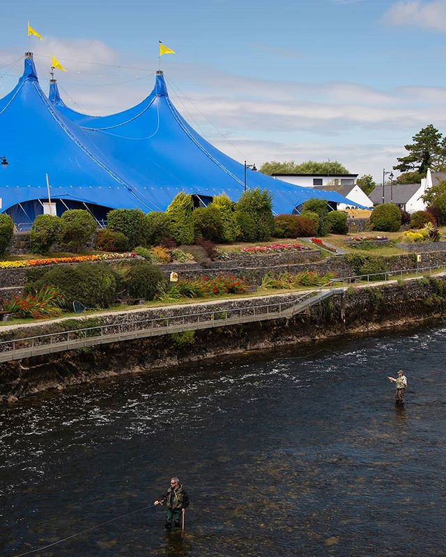 Here we go! The Big Blue is back in town for this year's @galwayintarts . Check them out for all upcoming events. #galwaycoastcottages . . . . . . . .#galway #ireland #thisisgalway #iloveireland #irish_daily #agameoftones #instaireland #ig_ireland #icu_ireland #travel #landscape #inspireland #wildatlanticway #wonderful_places #discoverireland #planetearth #earthpix #beautifuldestinations #instagood #arts #festival #mywildatlanticway #summer #roamtheplanet #peoplescreatives #exklusive_shot