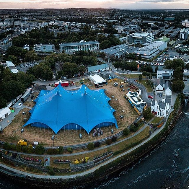 It's all systems go at the Arts Festival with BellX1 performing tonight. Who is on your list of performers tp see this year? #Galwaycoastcottages . . . . . . . . . .#galway #ireland #thisisgalway #iloveireland #irish_daily #agameoftones #instaireland #ig_ireland #icu_ireland #travel #landscape #inspireland #wildatlanticway #wonderful_places #discoverireland #planetearth #earthpix #beautifuldestinations #instagood #sunset #university #mywildatlanticway #summer #roamtheplanet #peoplescreatives #exklusive_shot