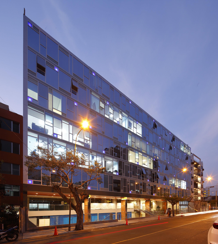 FINALISTA-OFICINAS-BLU BUILDING II (1).jpg