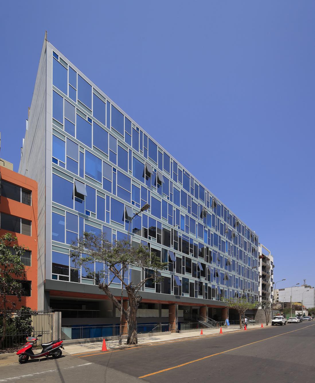 FINALISTA-OFICINAS-BLU BUILDING II (3).jpg