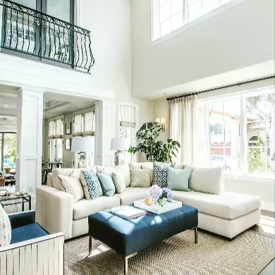 This room feels like springtime with the warm linen colors and the subtle pop of navy. #vittahomes #neutraldecor #beachhousedecor #interior123 #designer #livingroomdecor #manhattanbeach #beachliving #simpledesign #fresh #hgtvhome #capecodhome