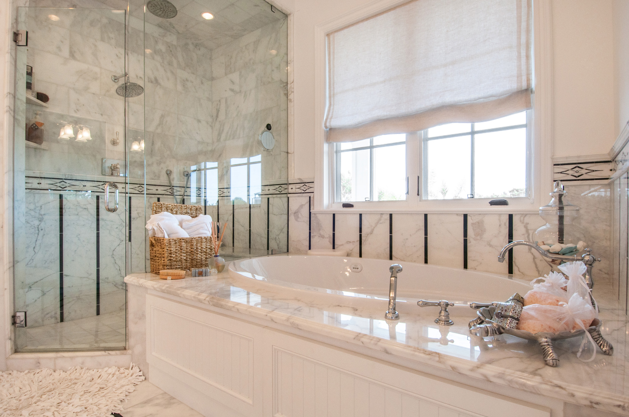 capecod - masterbath - oval tub.jpg
