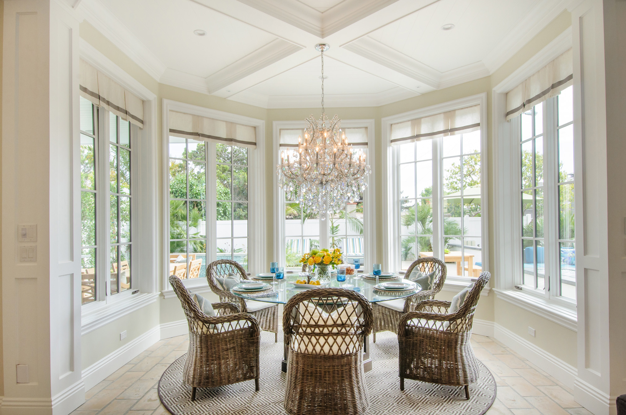 capecod-round dining table.jpg
