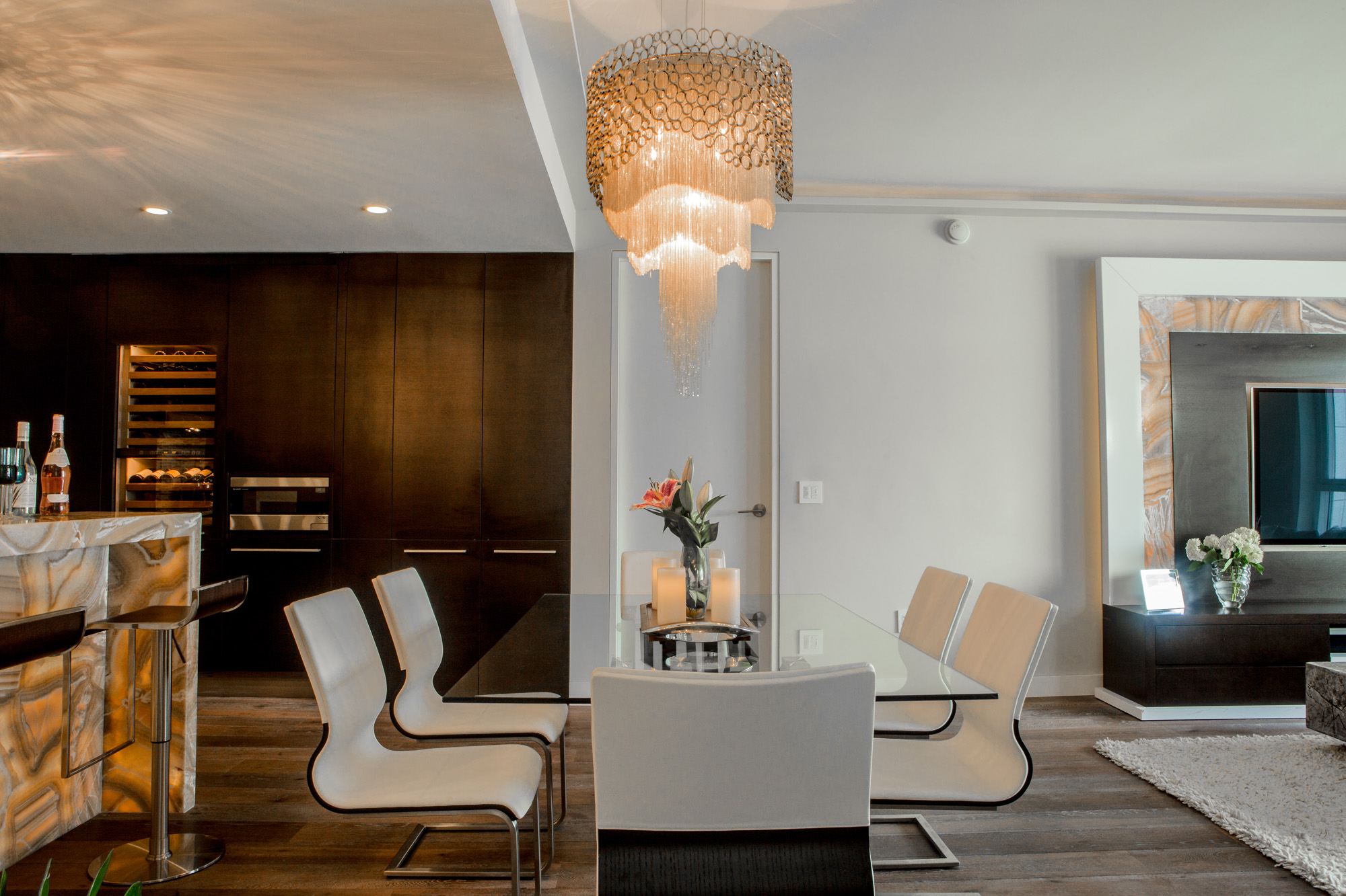 modern glass table.jpg