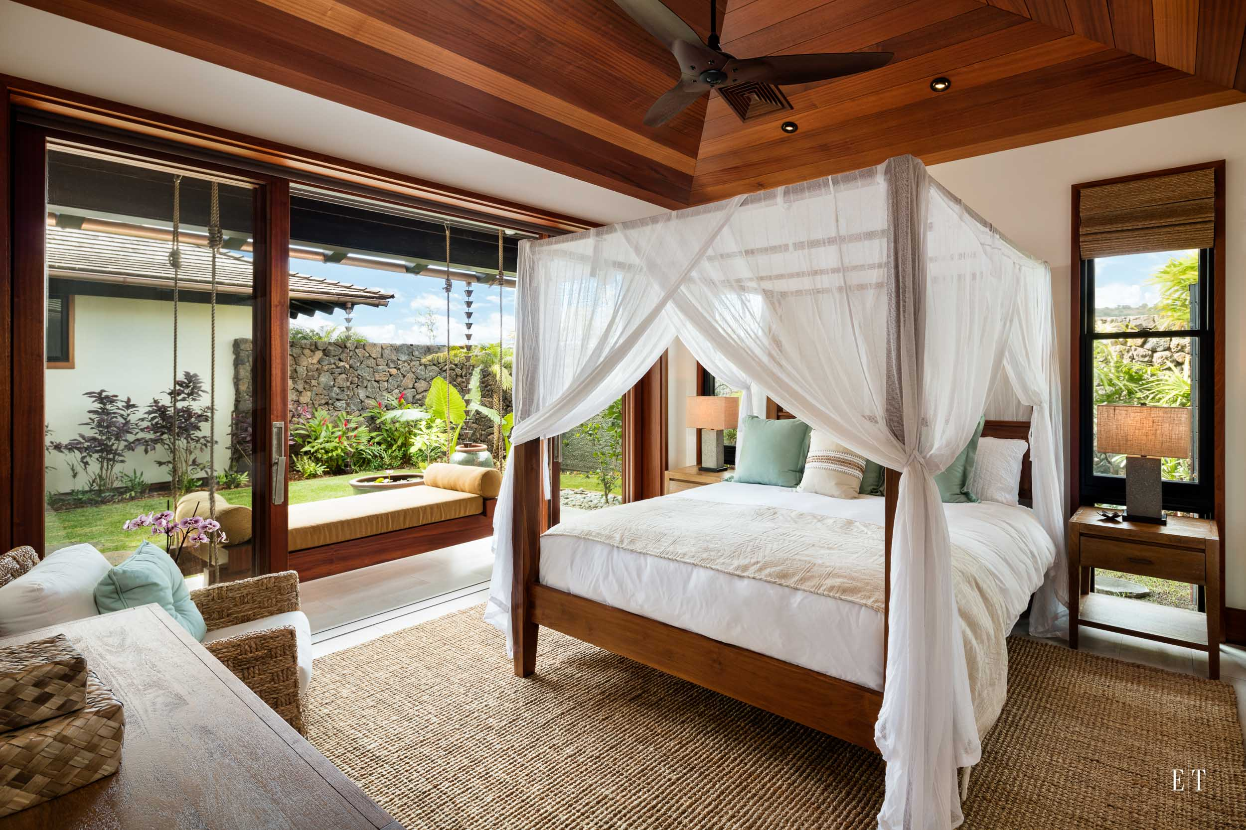 Master Suite 2 with a lanai swing