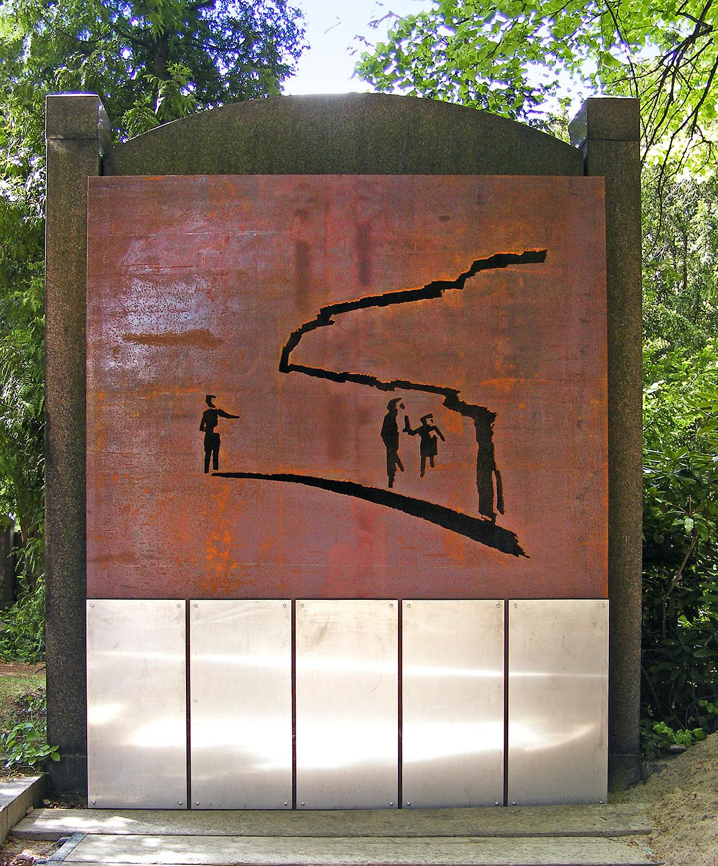 2011-Grabplatte-fuer-die-Martin-Luther-Gemeinde-Neukoelln-Friedhof-Hermannstr_b_Web.jpg