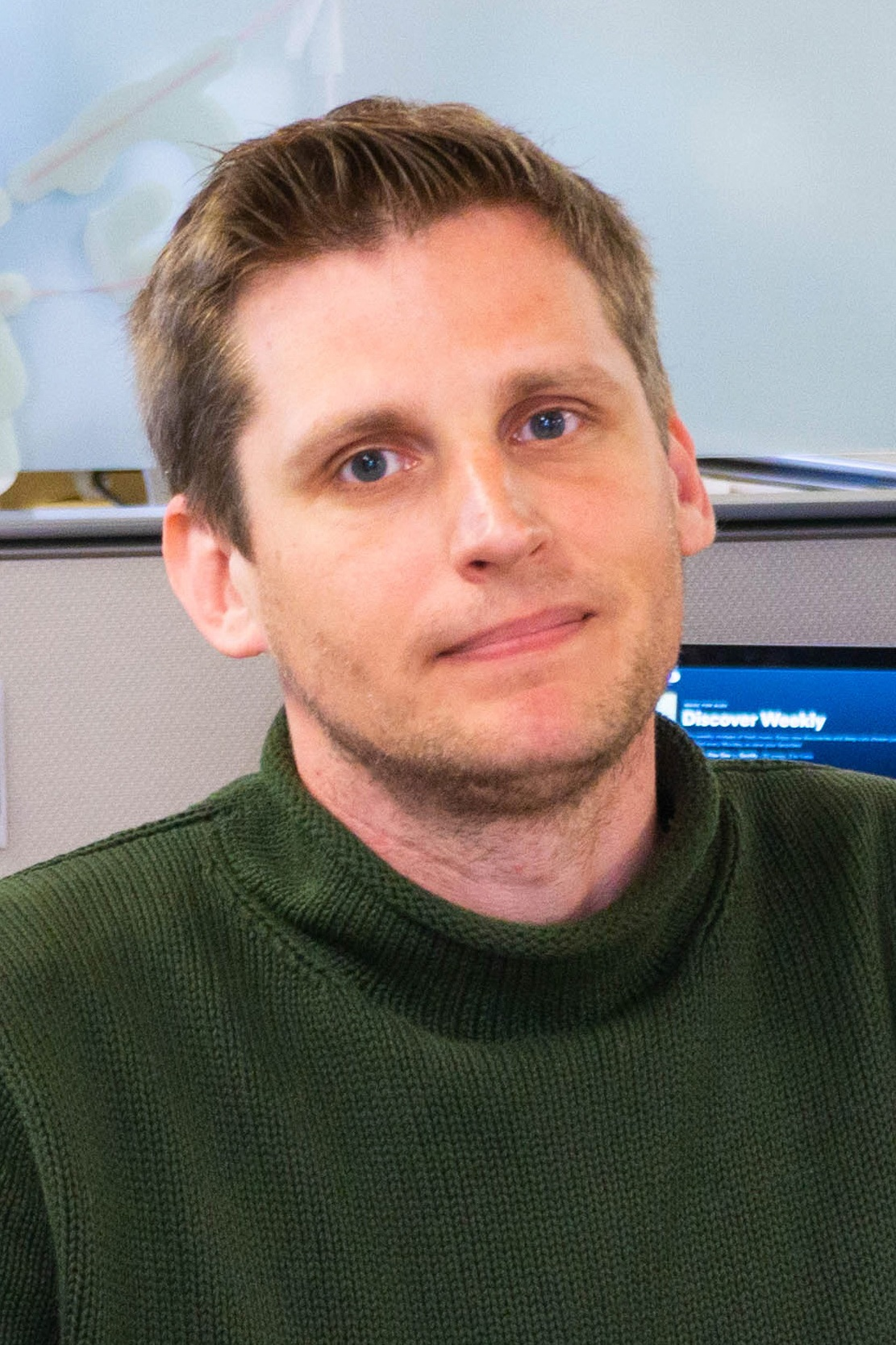 lead designer - Alexandr GheneralovBuilding the bridge between first-time job seekers and the industry of their choice. Helping young talents to pursue their dreams. Advocating for communication, story-telling and visual language. Big data, fundraising and social networking with Roundglass and Edifecs