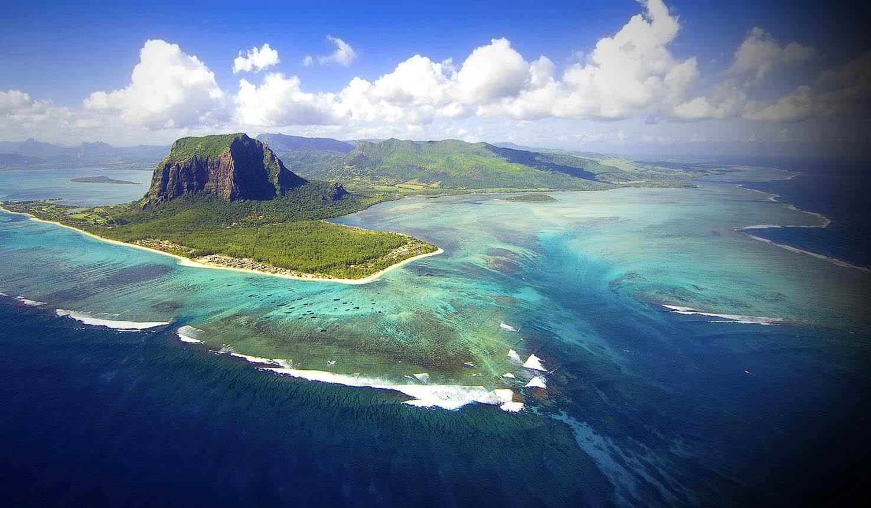 Mauritius_Aerial1_SMALL.jpg