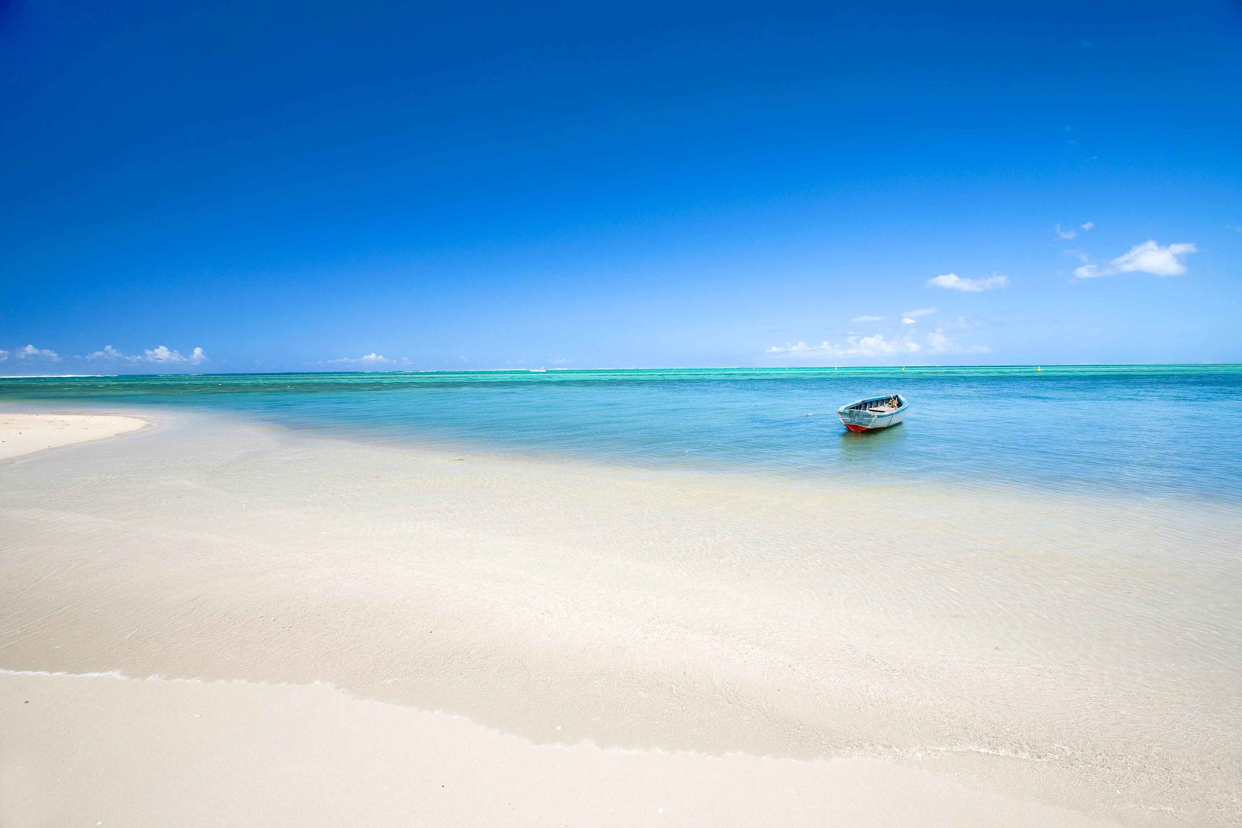 Beach_Boat_Mauritius_EDIT_SMALL.jpg