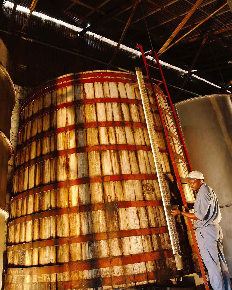 DISTILLERY_STARRrum_STILL_3_4x5.jpg