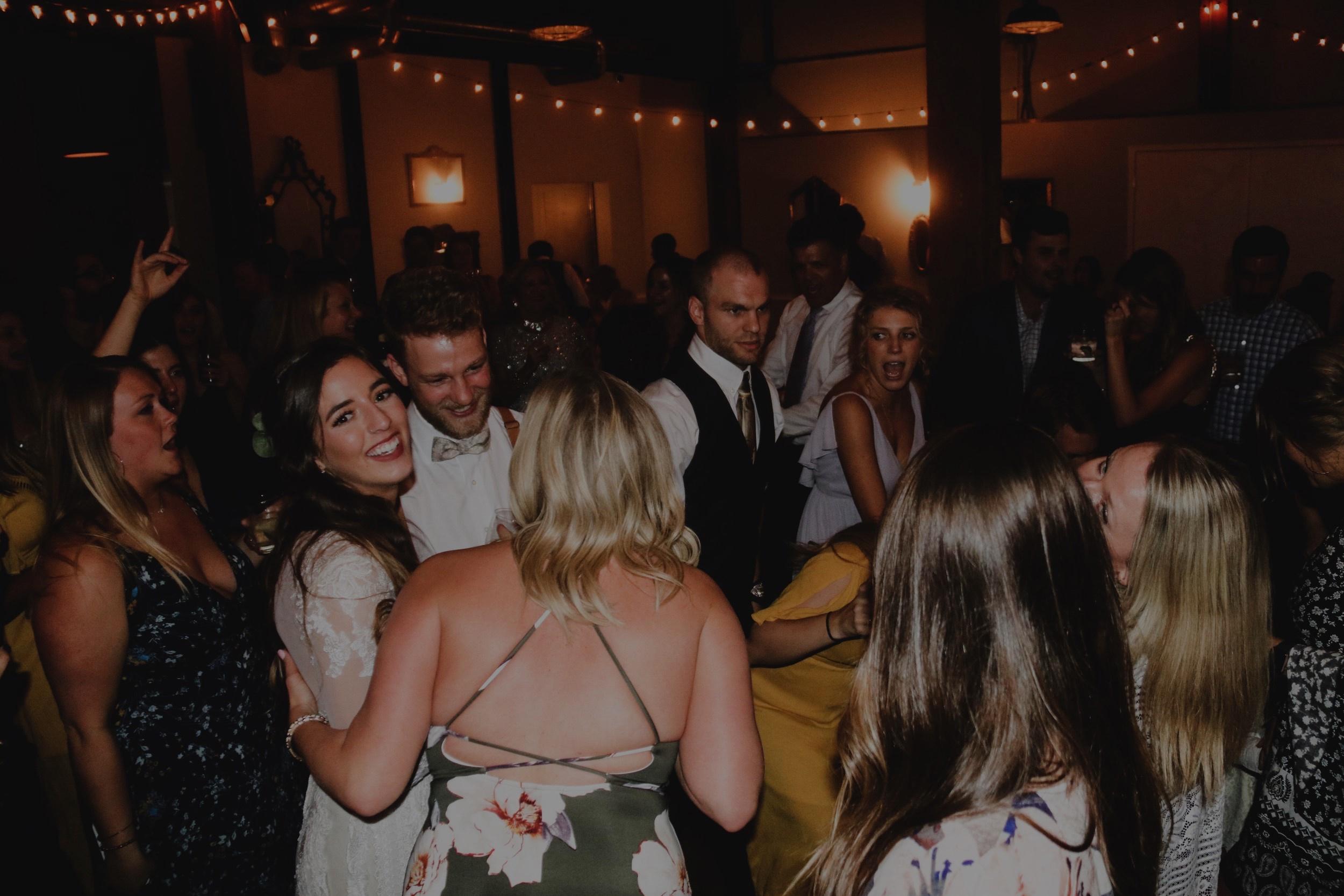 WEDDING DJ -