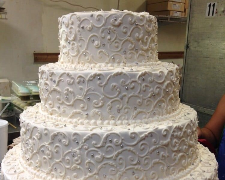"""Harter Bakery - Harter Bakery is a long-time staple in the wedding cake business for St. Louis. In a room of 10 or more people, if you mention their wedding cakes, you'll hear a few """"Ooh, yeah""""s. Their cakes are fabulous, the owners are so sweet and easy, and the flavor… wow.Also, if you mention that you came from House DJ St. Louis, Harter Bakery will give you 10% off of your order!www.harterbakery.com"""