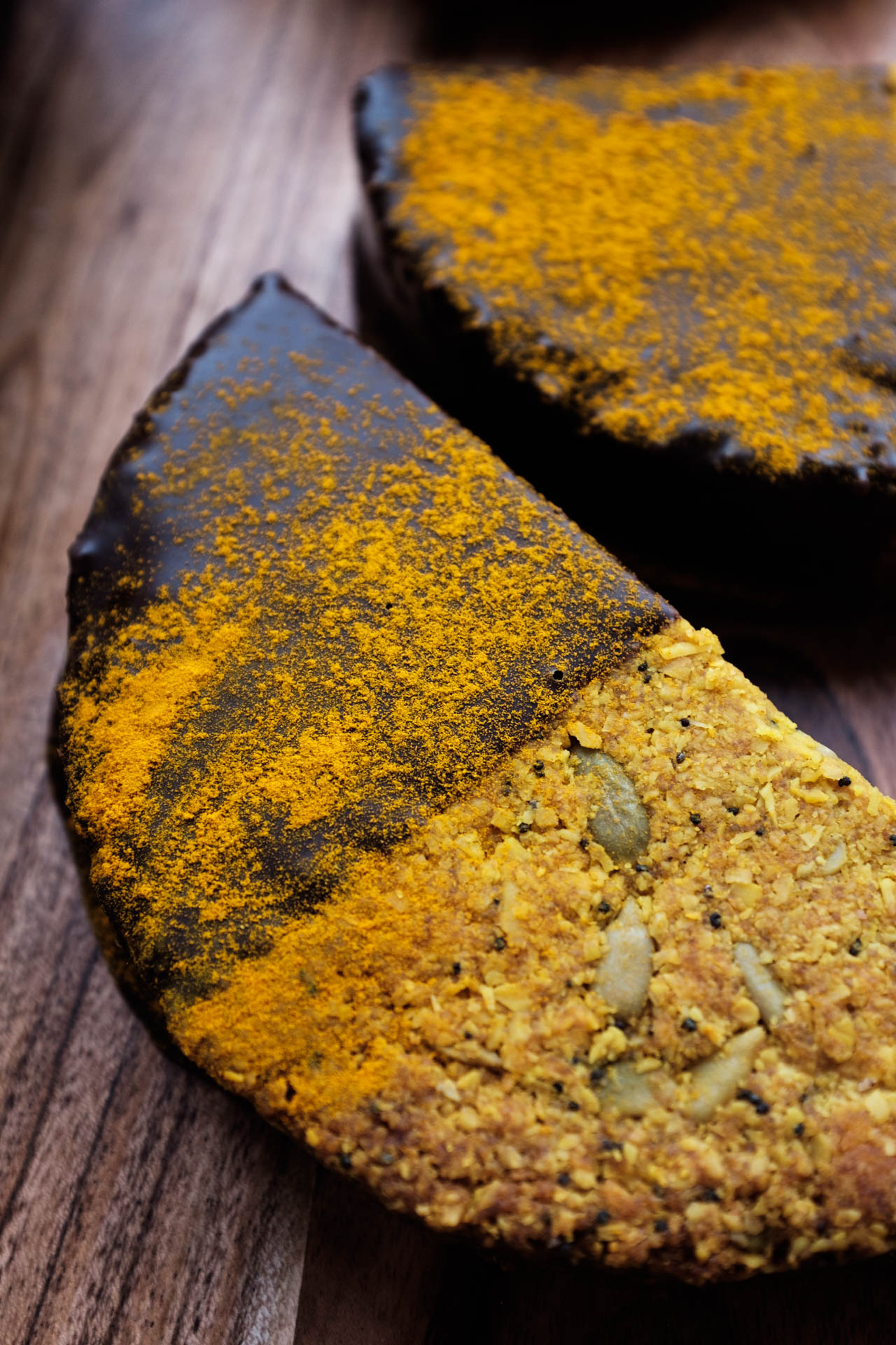 Turmeric Granola + Latte.