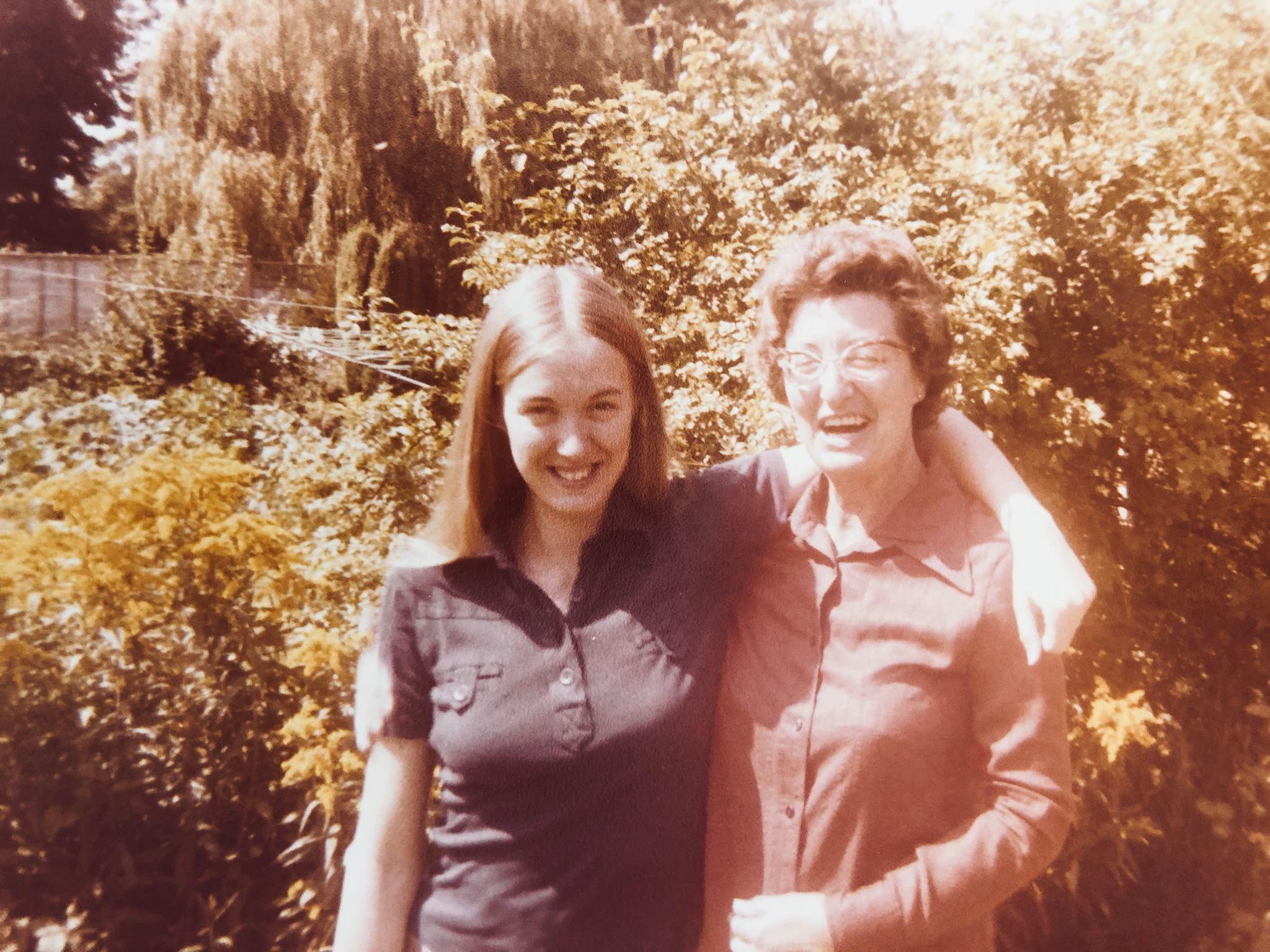 Linda, Joan