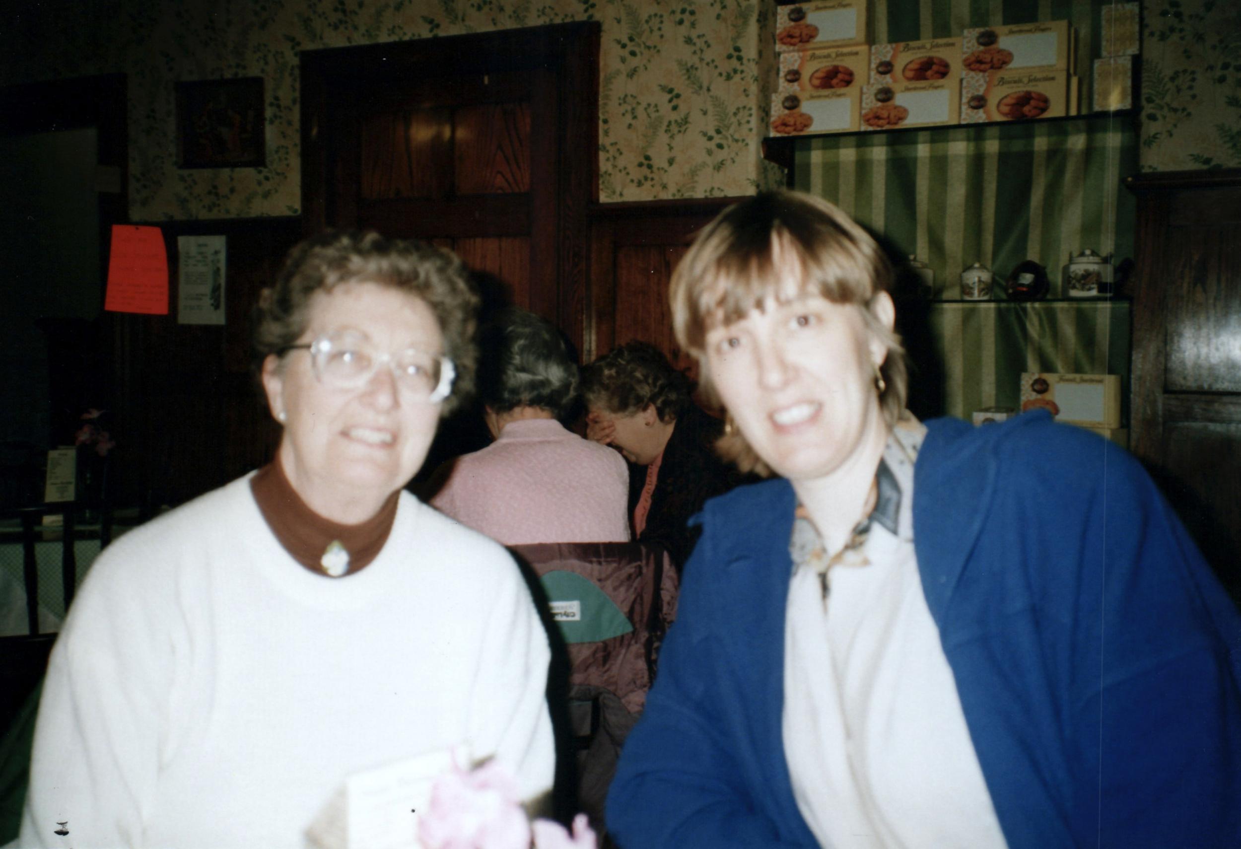 Joan, Linda