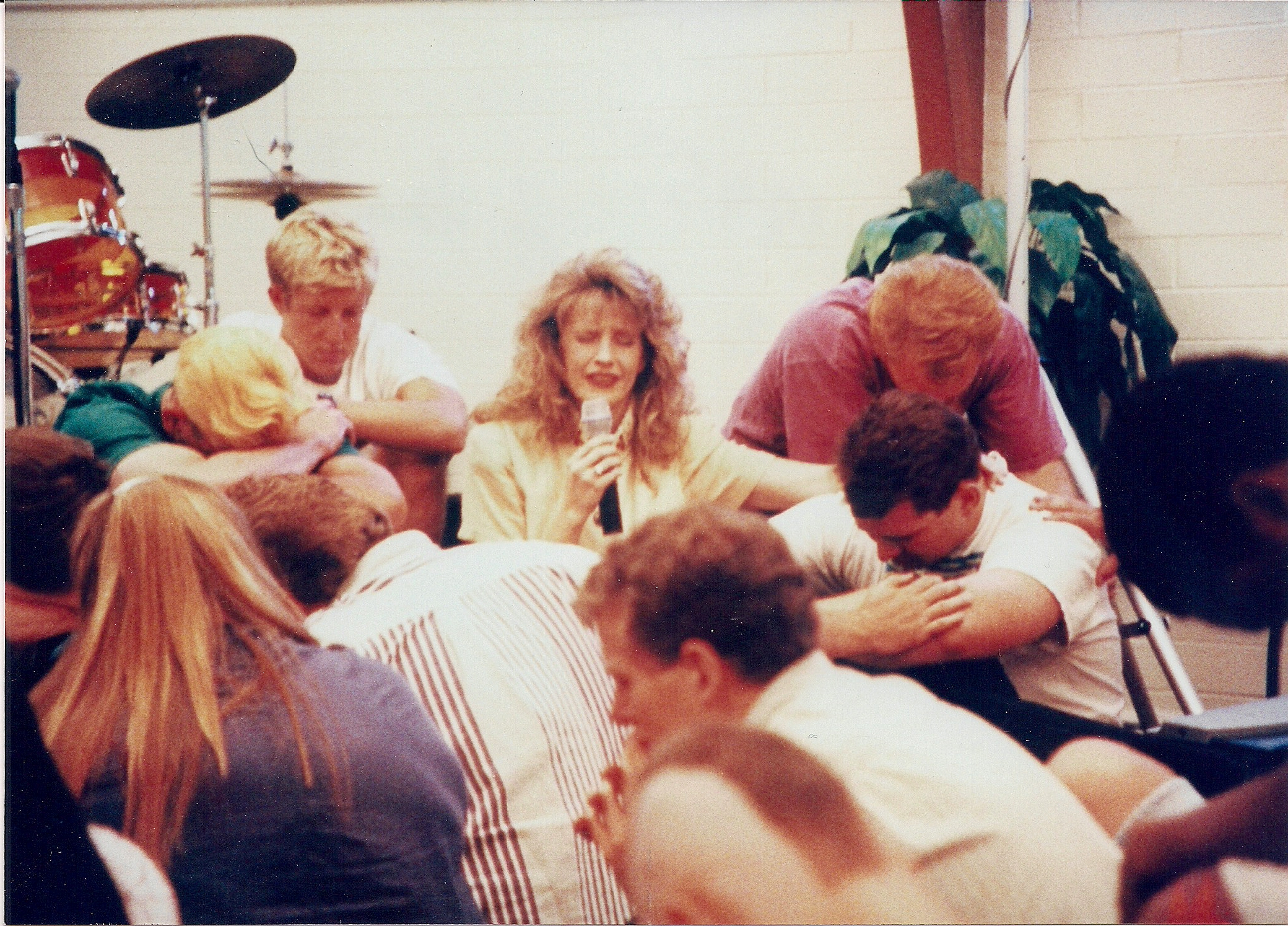 1995_10 Revival breaks out at AZ college of the Bible 01.jpg