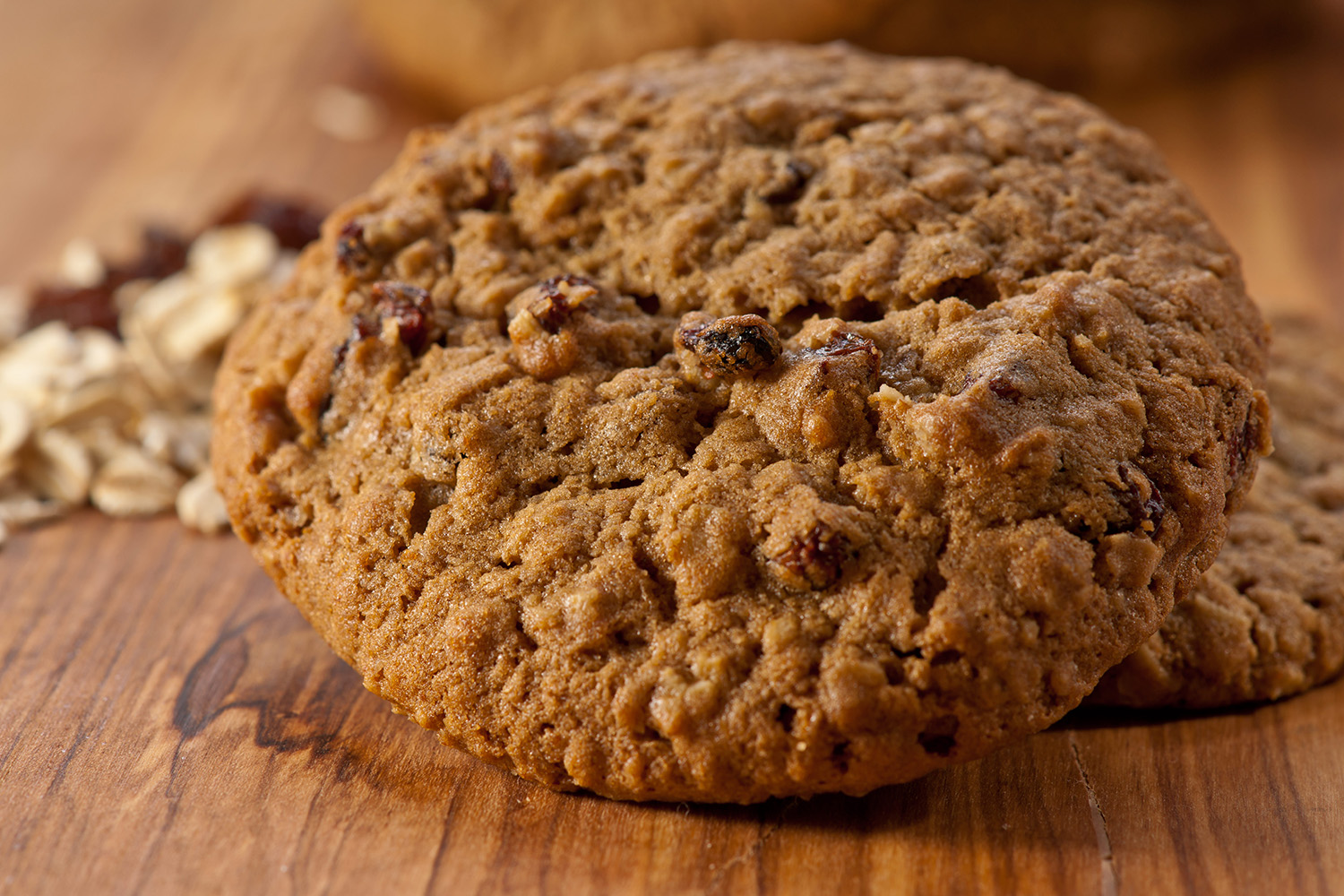 Oatmeal Raisin - Made with a very special blend of Oats, every mouth-watering bite is full of sweet, plump California raisins and complemented with a delicate dash of cinnamon.