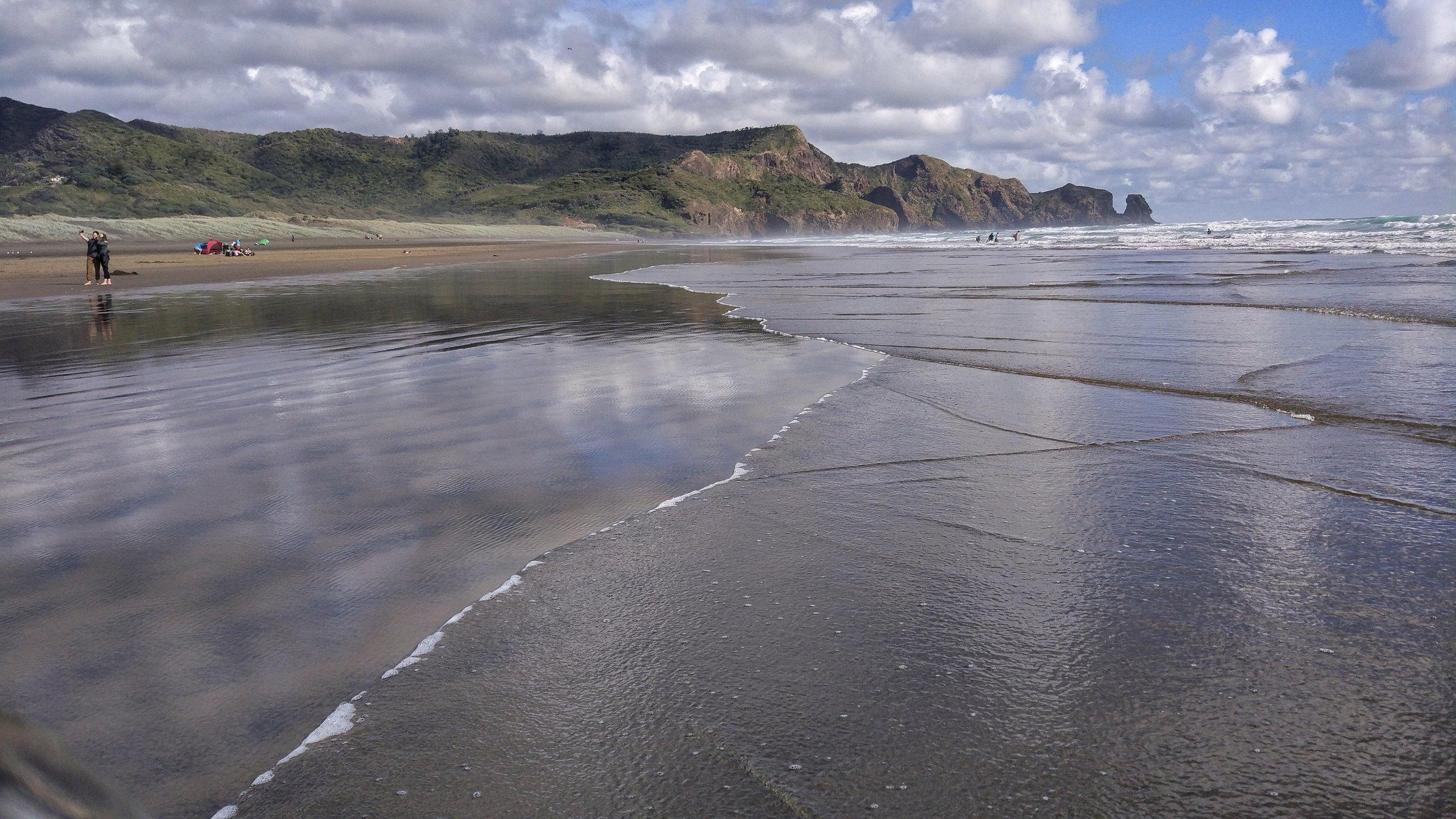 stunning bethells beach / Te Henga Beach