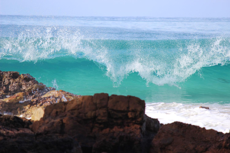 Wave-breaking-on-rocks.jpg