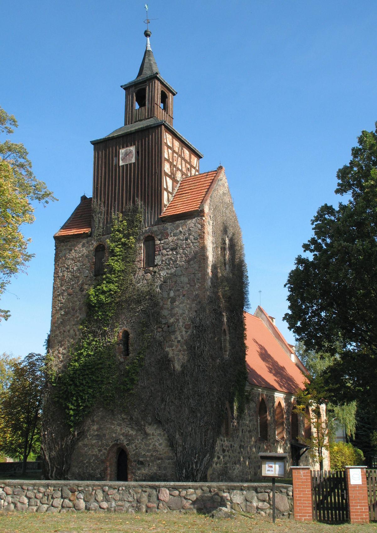 Falkenthal_church_gal.jpg
