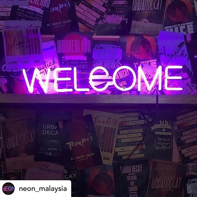 Posted @withrepost • @neon_malaysia Malaysia Neon Lights Shining Around the World 马来西亚霓虹灯闪耀全世界 @uppercase.asia . #uppercasebangsar #welcome #neon #neonlights #neonsign #neonsigns #neonsignage #neonkl #neonmalaysia #霓虹灯 #马来西亚霓虹灯 #大马霓虹灯