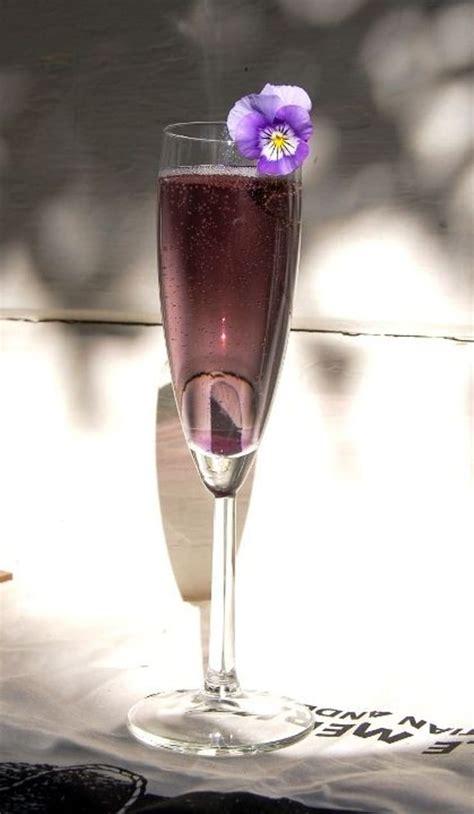 Creme de Violette - Looks brilliant fluted