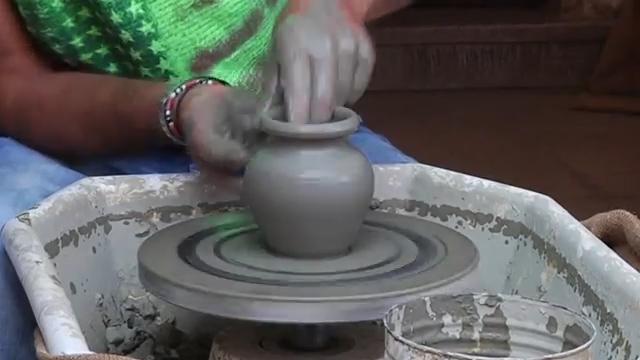 argilla di fratte rosa dove nasce la favetta il lubaco usata anche per vasi e utensili alimentari e da ornamento