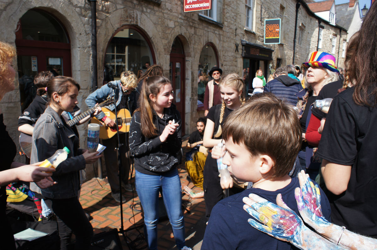 Music and art at stroud farmers market.jpg