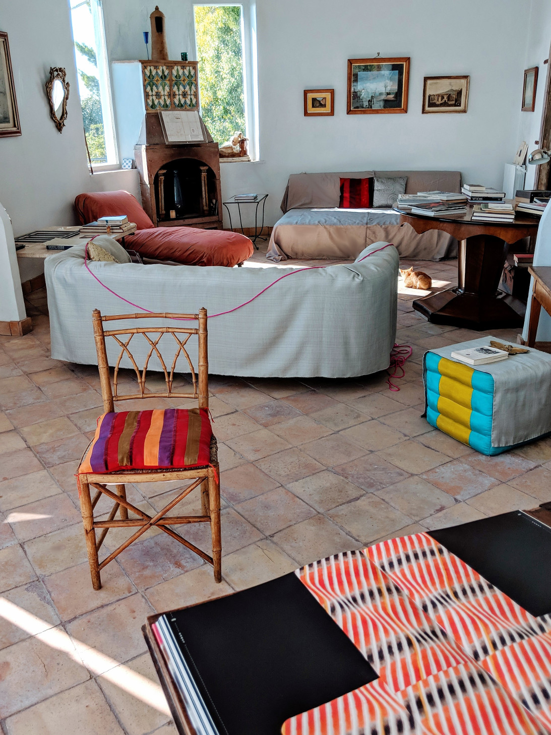 47 living room red villa ama sicily.jpg
