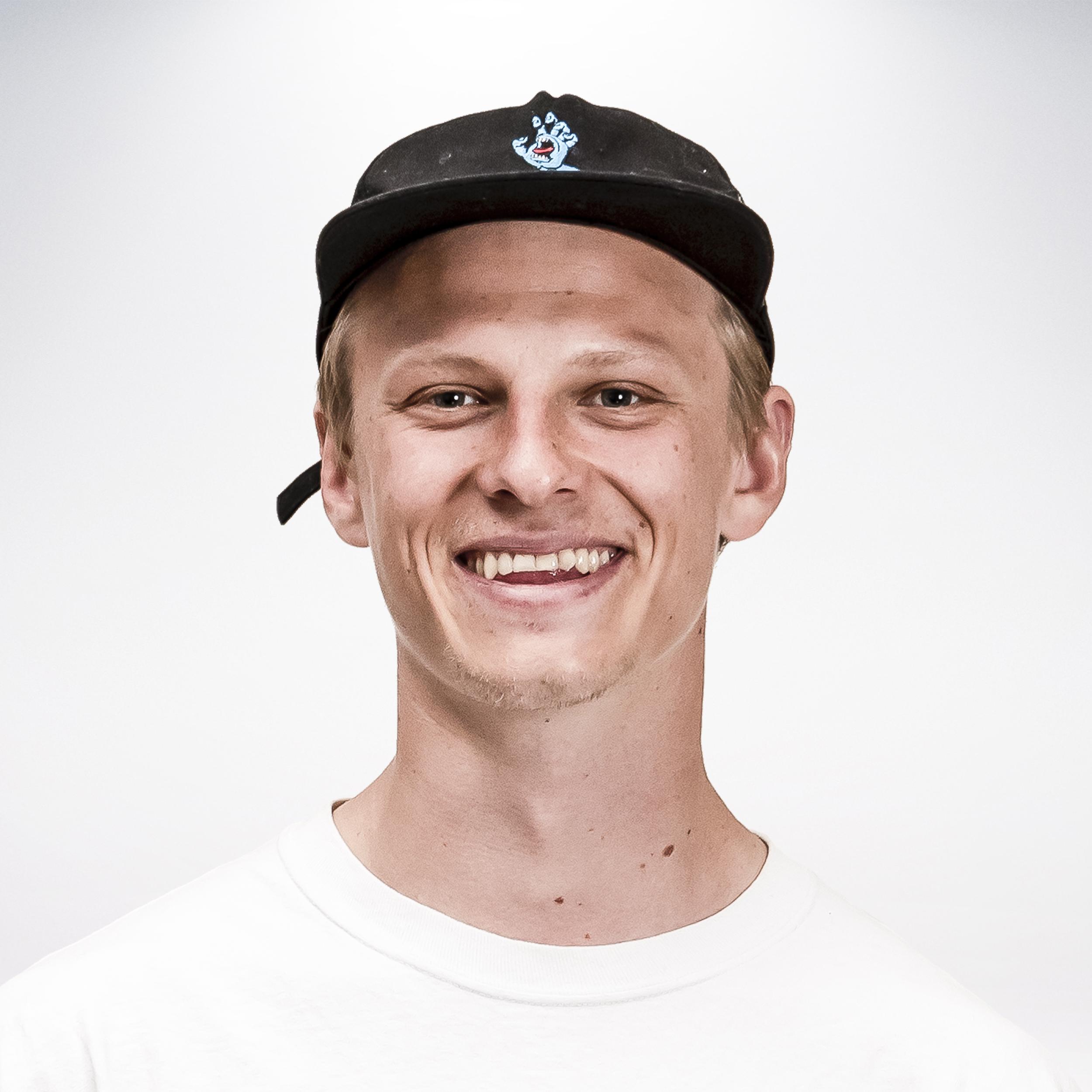 ONNI SALTEVO   26, Helsinki, @saltevonni  Sponsors :  Santa Cruz Skateboards, Bones, New Balance, Beyond