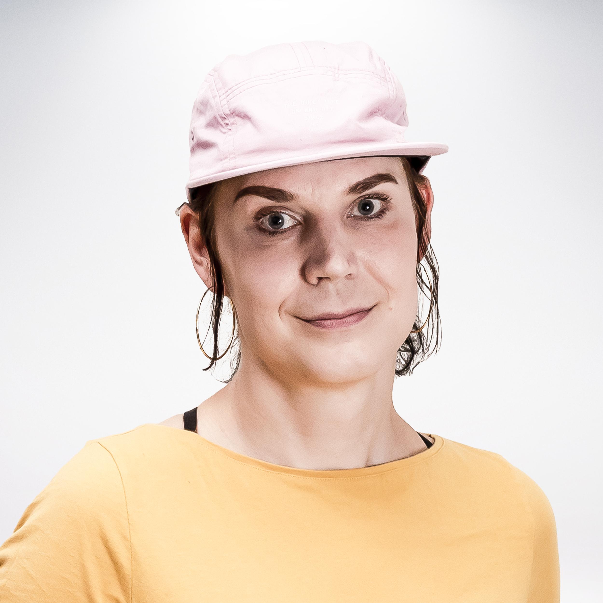 ENNI KALILAINEN   42, Espoo, @enni_kalilainen  Sponsors : -