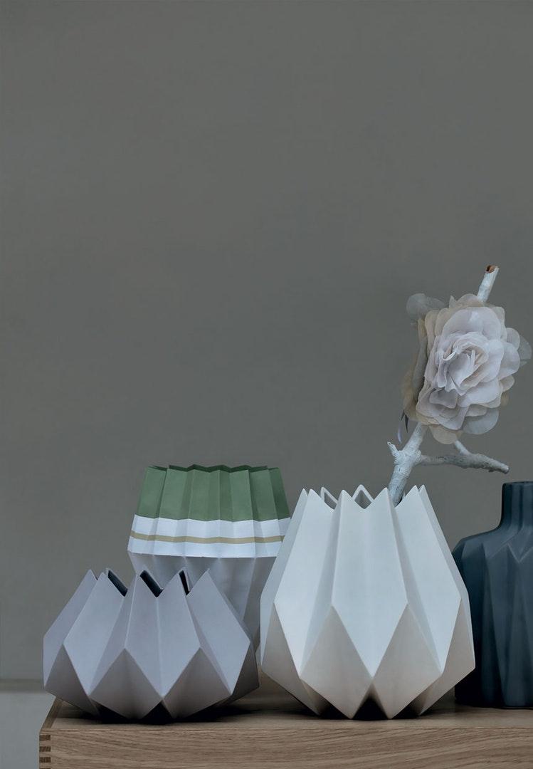 Folded vase_Bobedre_KiraBrandt.jpg