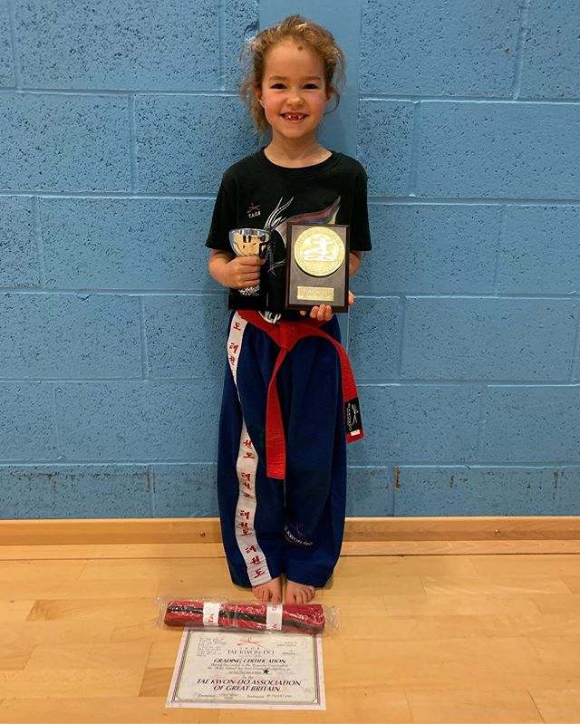 Congratulations to Amalie who got awarded the best in grading award from Grand Master David Oliver 9th Dan! . . Well done to Oliver & Jasper partners in crime who also ere fantastic in their grading Oliver achieving an A Pass. . & a big well done to Taylor & Jasper for achieving A* passes in their grading! ✨
