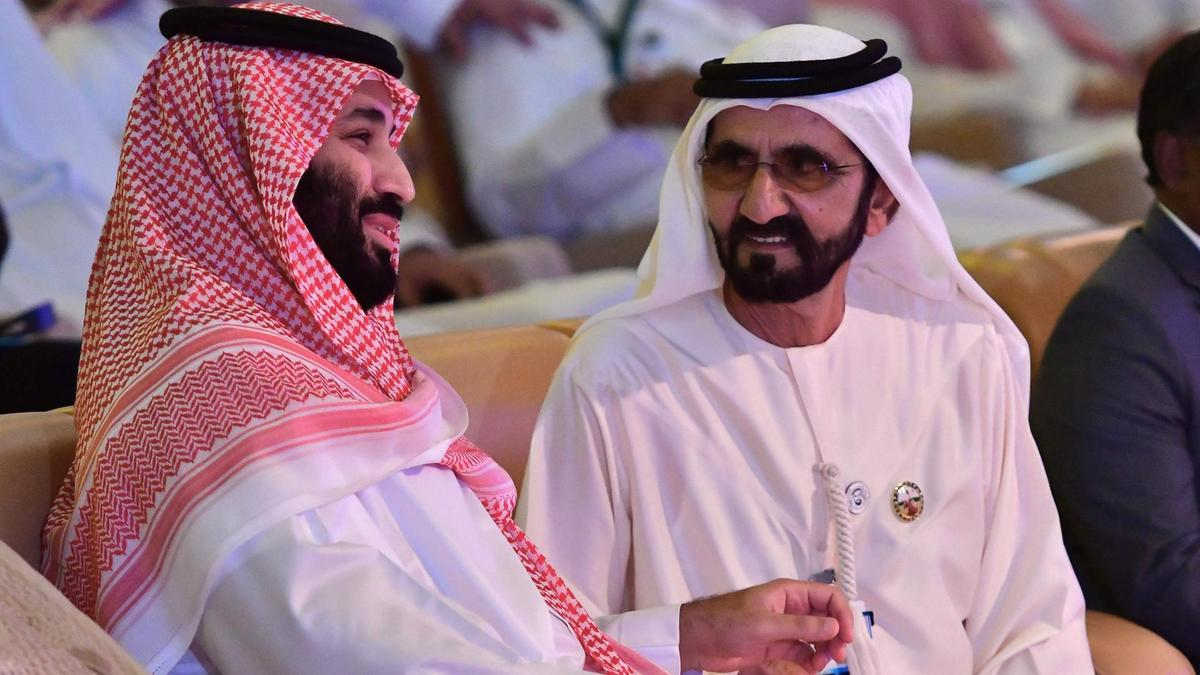 Vice President and Ruler of Dubai Sheikh Mohammed bin Rashid (right) talks to Saudi Crown Prince Mohammed bin Salman (left) during the Future Investment Initiative conference. AFP