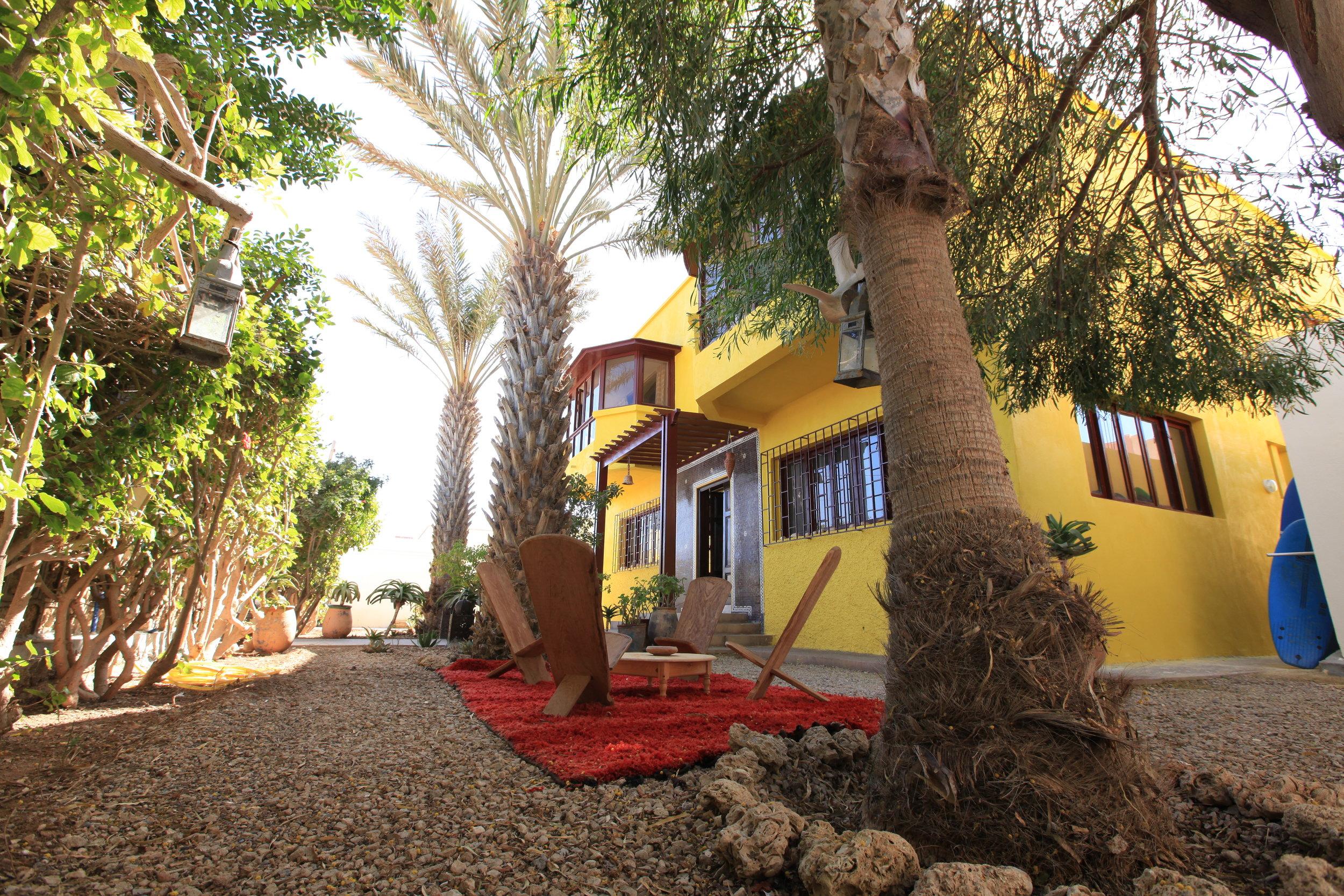 Un lieu, deux concept, Dakhla - Maroc — La maison jaune
