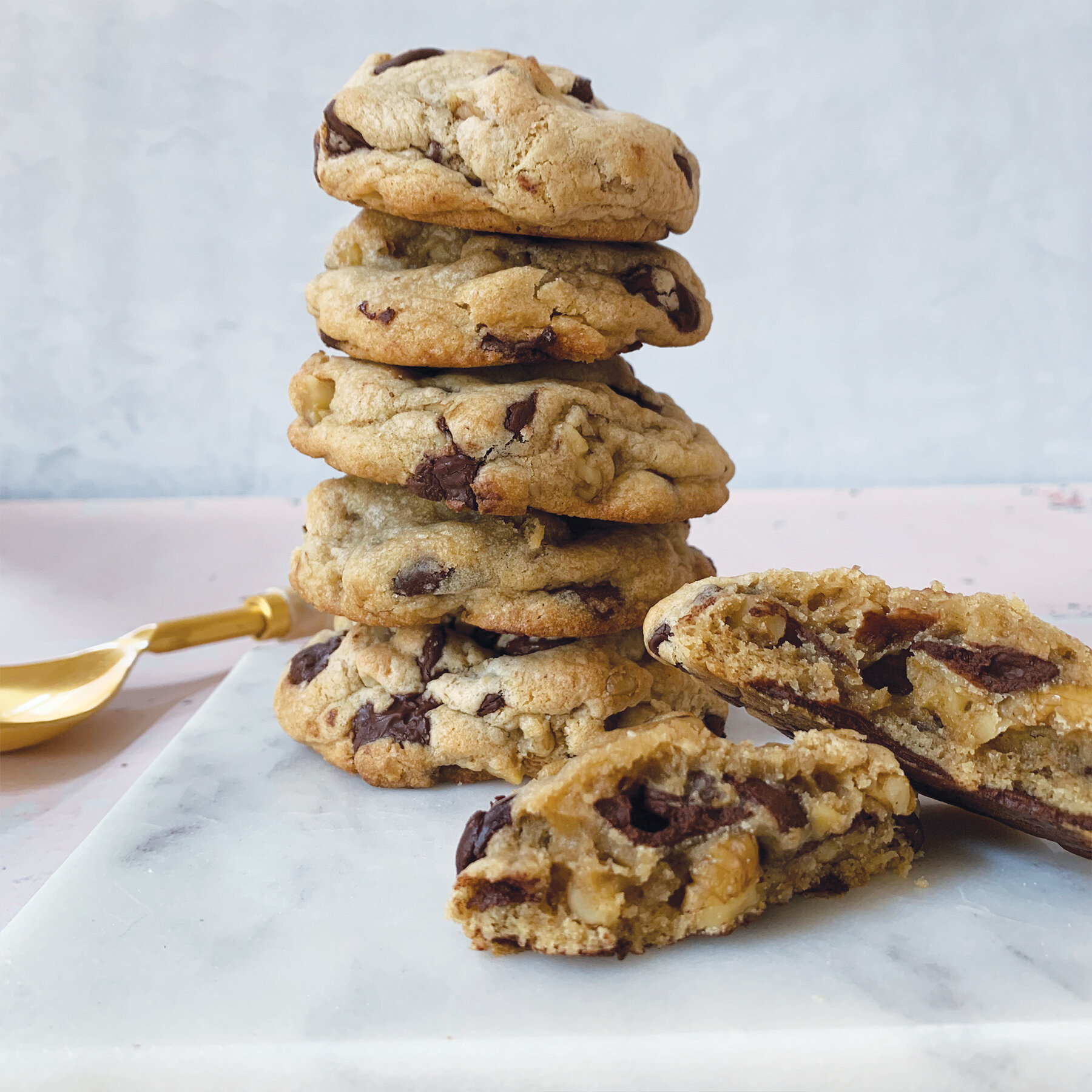 Chocolate Chip Nut Cookies